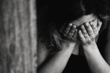 Lutto, divorzio, separazione e traumi: sentimenti ed emozioni